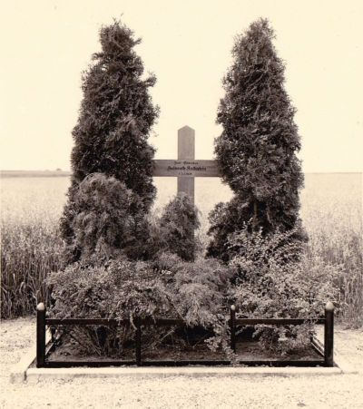 141 Kalkstein Gedenkkreuz (Haverland)