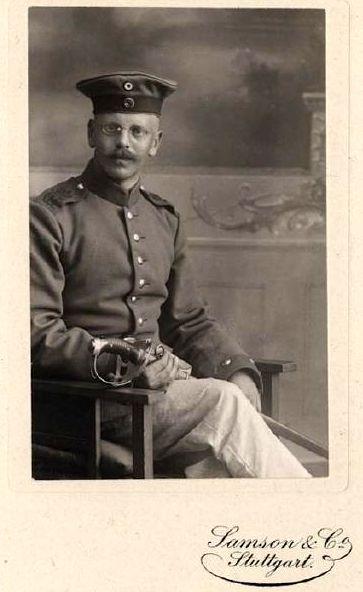 Hanns Klemm 1915 in kaiserlicher Uniform (HdG) small