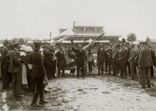 5 Deutscher Rundflug 1925 Empfang Böblingen Friedrich Siebel Ansprache vor der L 22 nach Rundflug (HdG)
