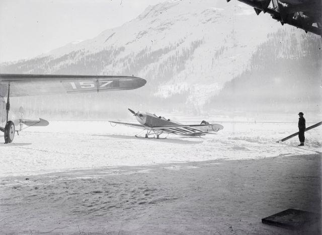 Fokker F. VII a, CH-157 und Klemm L-20, CH-223 am Boden auf dem