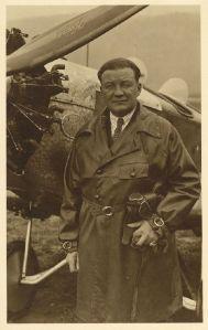 René Clavel vor einer Klemm L25 1930_2 (HdG)